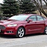 ford fusion hybrid na estrada