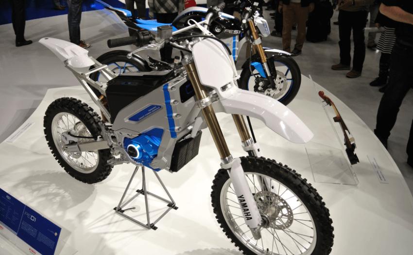 moto elétrica destacada