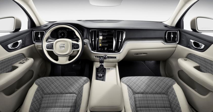 Volvo V60 por dentro