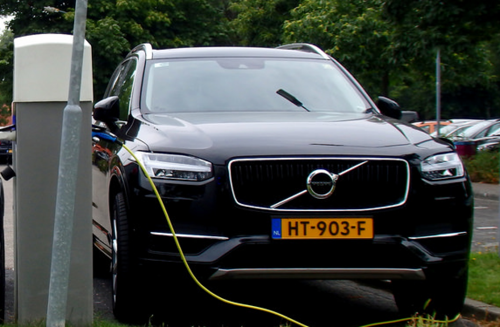 Volvo XC90 Pilot Assist