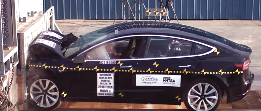 Model 3 teste de colisão frontal