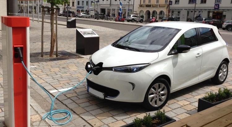 Renault Zoe carregando