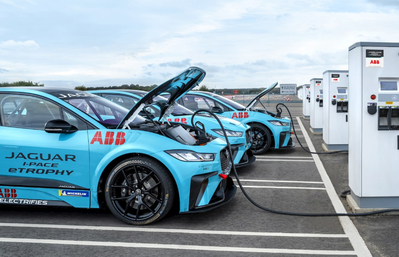 I-PACE eTROPHY ABB