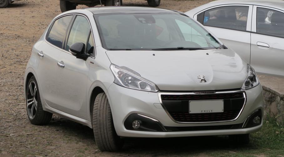 Peugeot 208 elétrico 2