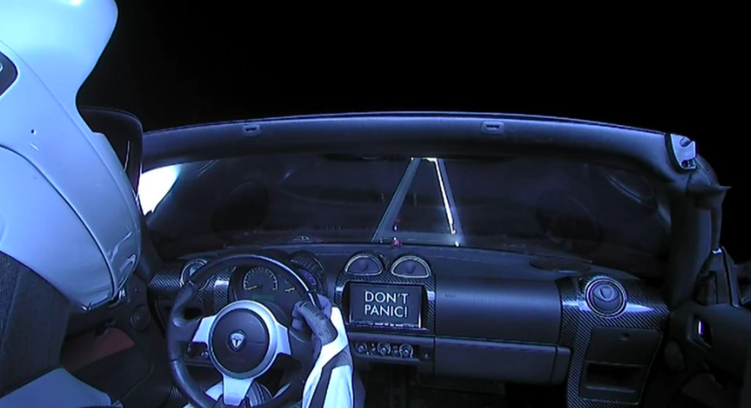 Tesla Roadster espaço