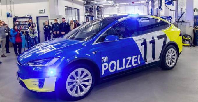 Model X frota polícia