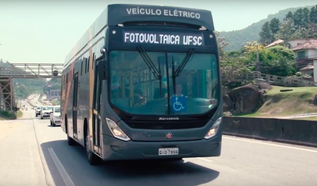 Primeiro ônibus elétrico alimentado por energia solar desenvolvido no Brasil