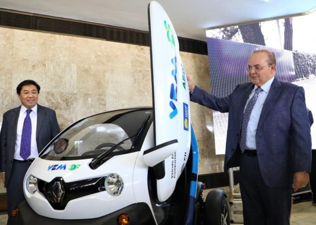 Carros elétricos Twizy Brasília