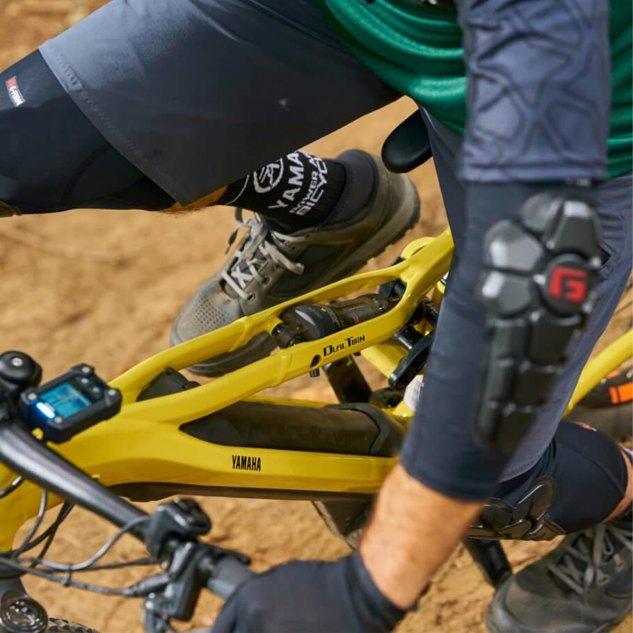 Linha Road  YDX-Moro centado na bicicleta