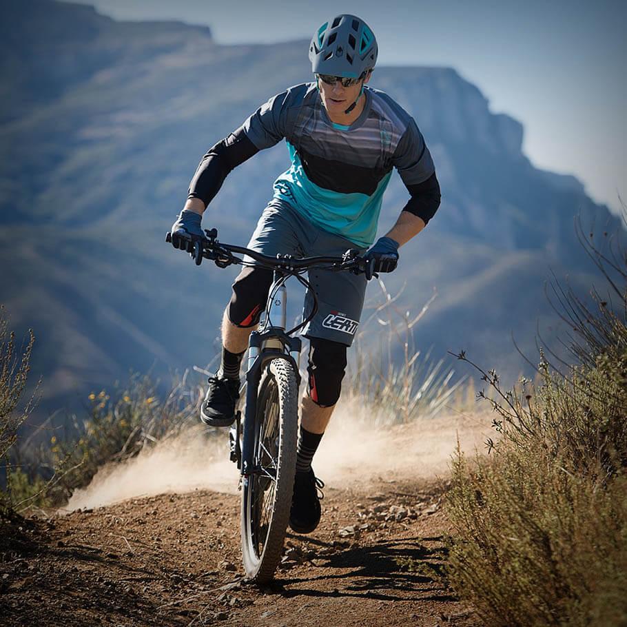 Bicicleta elétrica Yamaha: Linha Road ydx torc andando na terra