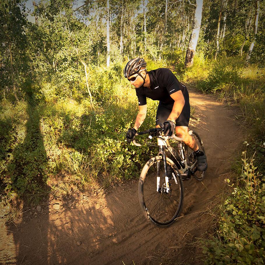 Bicicleta elétrica Yamaha: Linha Road wabash na floresta