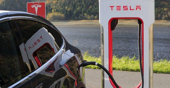 Abastecimento Tesla Recordes